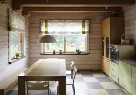 Virtuve krāsota ar PAINT ECO gaišo lineļļas pernicu