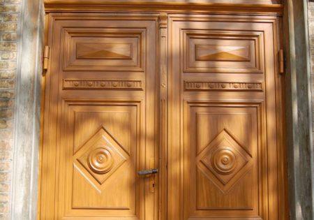 durvju restaurācijas ar lineļļu